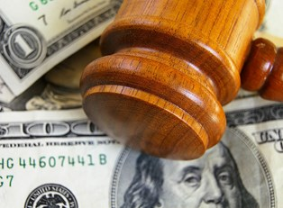 How to Save Money When Hiring a Lawyer