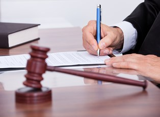 Mediation Settlement Agreement vs Arbitration Decision: What's the Difference?