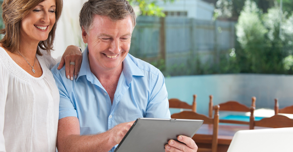 Couple planning their 401K retirement