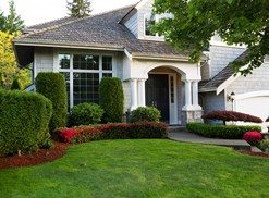 Picture of a house. Refinance your home loan with bad credit.