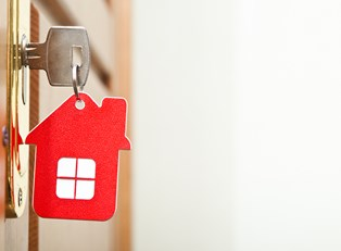 A new home key obtained after taking out a home loan.